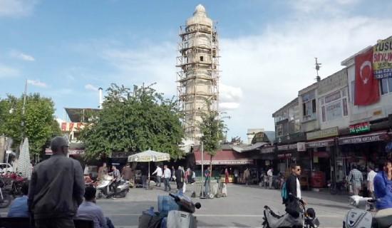 Onarılan tarihi camiler bayram sonrası ibadete açılıyor