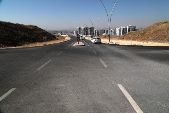 Şanlıurfa'da yol yapım atağı