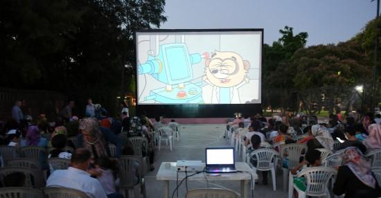 Şanlıurfa' da yaz sineması etkinliği yoğun ilgi görüyor