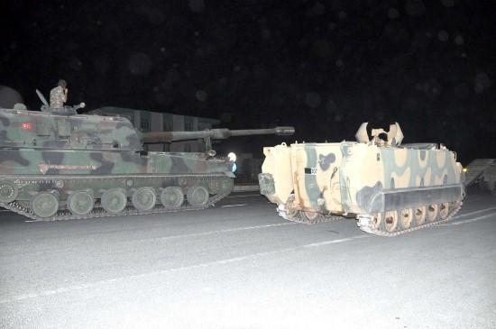 Zeytin Dalı'nın kahramanları Fırat'ın doğusu için sınırda