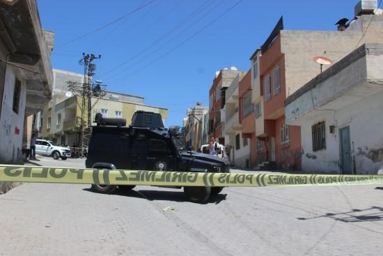 Şanlıurfa'da silahlı kavga, baba ile 3 oğlu vuruldu