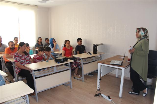 Gençlere sağlıklı beslenme semineri