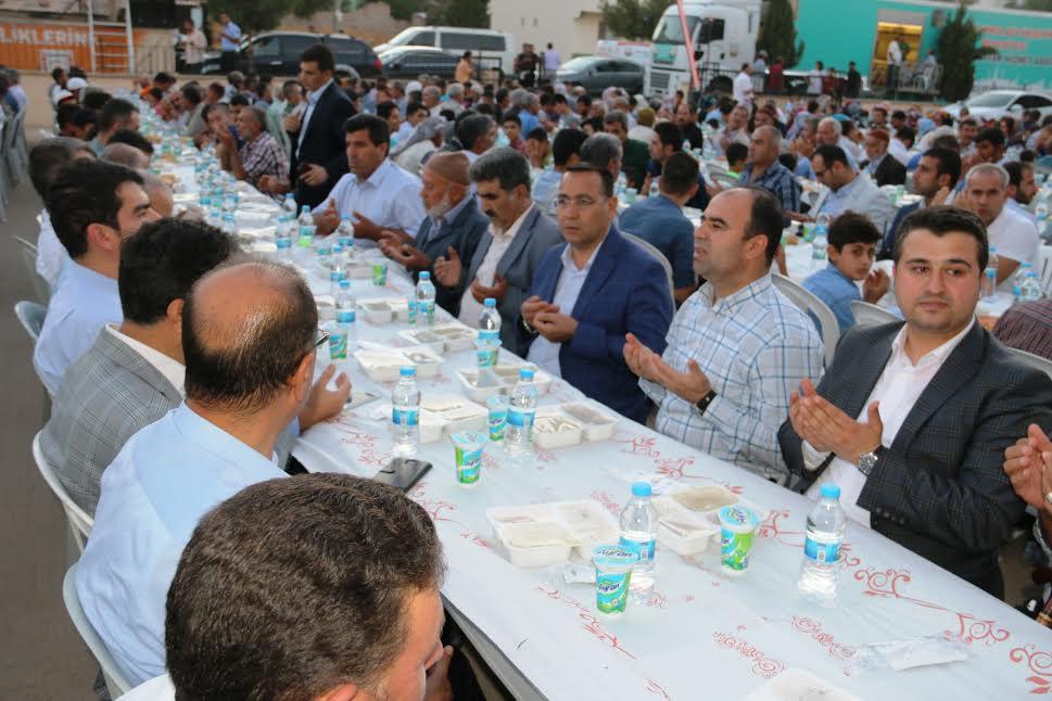 Halfetililer Büyükşehir\'in iftarında buluştu